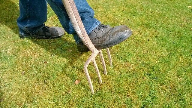 improve clay soil by aerating